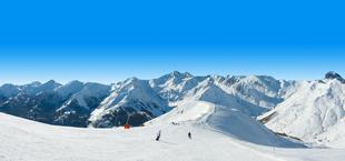 Winterse bergen en pistes in Frankrijk
