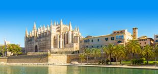 Uitzicht op de kathedraal in Palma op Mallorca