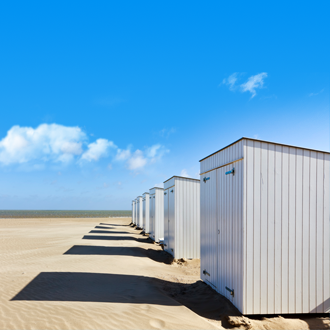 Strandhutjes op het strand in Knokke Heist
