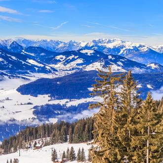 Bergen met sneeuw in de winter Soll, Tirol, Oostenrijk