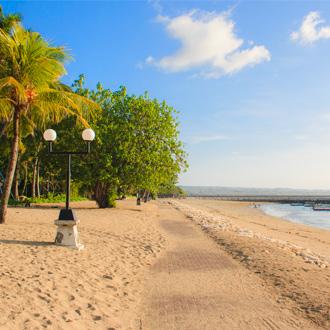 Boulevard aan het strand van Kuta