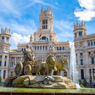 Cibeles fontein op het Plaza de Cibeles in Madrid, Spanje