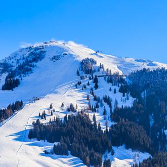 De skiberg Hohe Salve met sneeuw in de winter Soll, Tirol, Oostenrijk