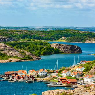 Dorpje aan het water in Zweden