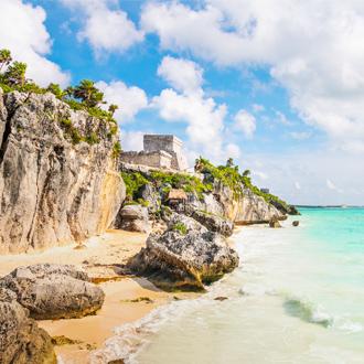 El castillo and caribbean beach Mayan Ruines of Tulum Mexico