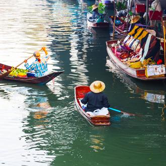 Floating market, drijvende markt in Bangkok Thailand