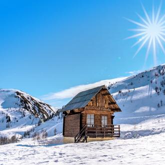 Houten huisje in de Franse Alpen