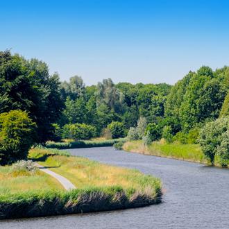 Grachten bij Lelystad met de gelderse diep en Lage Vaart in Flevoland