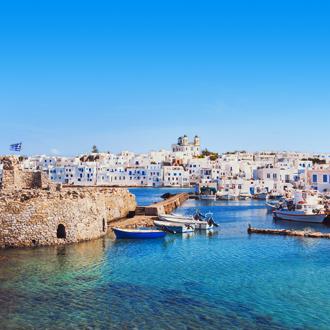 Het dorp Naoussa in de Cycladen in Griekenland