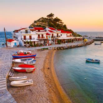 Het pittoreske dorpje Kokkari in Griekenland