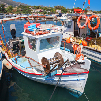 Vissersbootje in Agios Sostis