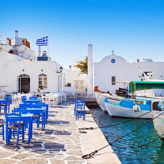 Grieks vissersdorp in Paros, Griekenland