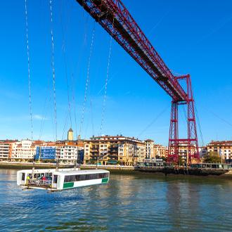 Het UNESCO monument de Vizcaya Brug in Bilbao