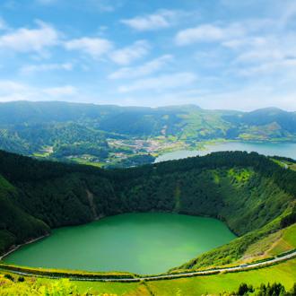 Het-meer-van-Sete-Cidades-Azoren-portugal