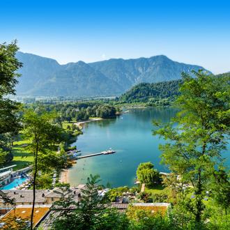 Prachtige natuurlijke meer van Trentino, Italie