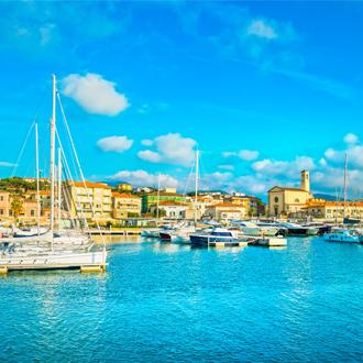 Jachthaven van San Vincenzo in Toscane, Italie