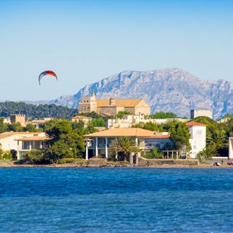Kitesurfing in Port of Pollensa