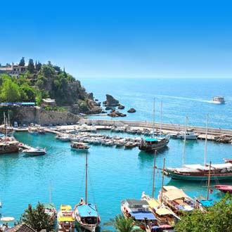 Kleine haven met bootjes aan de Lycische Kust