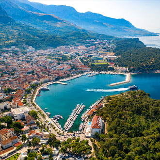 Uitzicht over de Makarska baai, Kroatie
