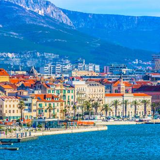 Kustlijn van de stad Split, in Kroatie