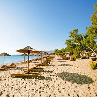 Het strand van Lambi bij hotel Atlantis
