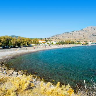 Uitzicht op het strand in Lardos