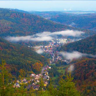 Luchtfoto-van-Bad-Herrenalb-Duitsland