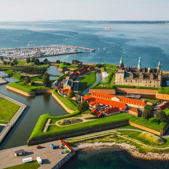 Luchtfoto van het oude kasteel Kronborg Helsingoer, Denemarken