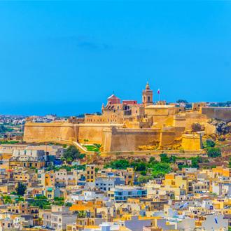 Stadsgezicht van Gozo met gebouwen op Malta