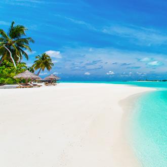Parelwit strand op de Malediven