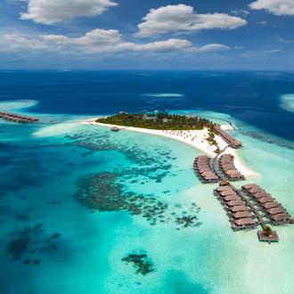 Luchtfoto van een resort op Zuid Ari Atoll