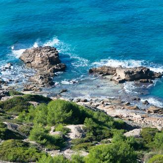 Groene kust in Cabo Blanco