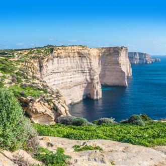 Kliffen van Sannap aan de oostkust van Gozo op Malta