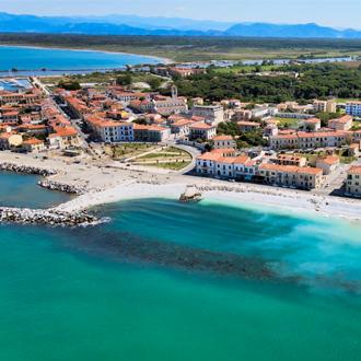 Marina di Pisa kustlijn, Toscane, Italië