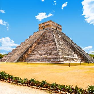 De oude Mayan piramide Chichen Itza Yucatan aan de Riviera Maya