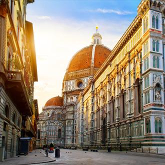 Piazza del duomo in Toscane
