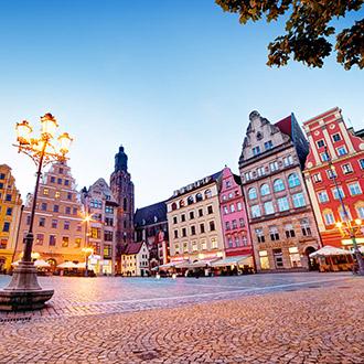 Plein met gebouwen in Polen