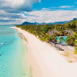 Prachtig strand met resort in Mauritius