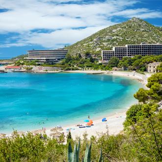 Prachtig turkoois strand gelegen in Mlini