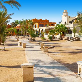 Promenade in El Gouna met hotels en restaurants Egypte
