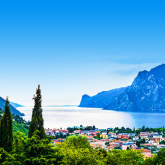 Riva-del-Garda-Gardameer-in-Italie