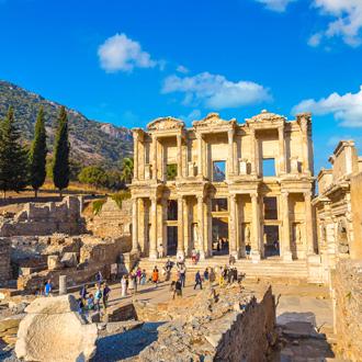 Ruïnes Celsius bibliotheek in Efeze vlakbij Izmir