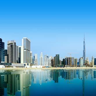 Skyline van Dubai in de Verenigde Arabische Emiraten