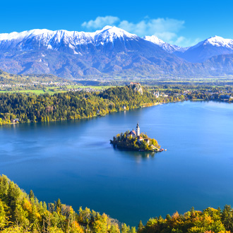 Uitzicht op het meer van Bled in Slovenie