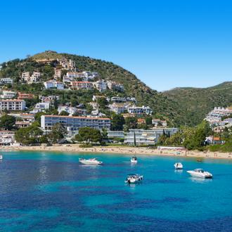 Uitzicht op Playa Almadrava in Spanje
