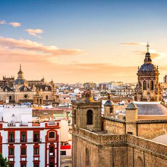 Skyline van de stad Sevilla in Spanje