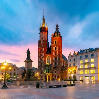 St Marys church en marktplein in Krakau, Polen