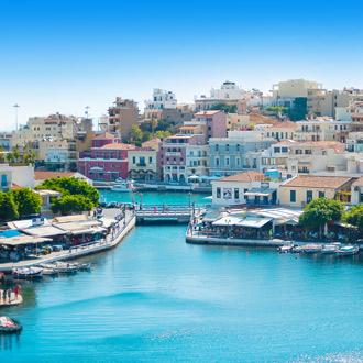Baai en stad Agios Nikolaos