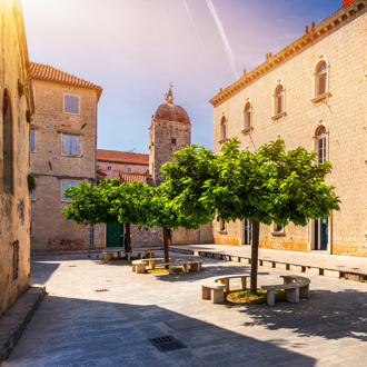 Straatzicht in Trogir, Kroatie