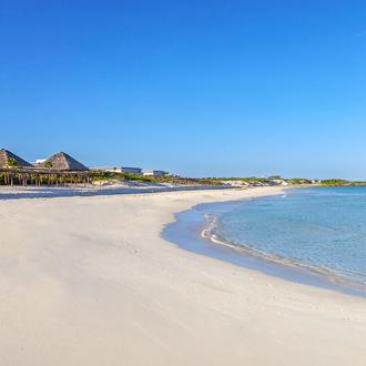 Zandbank met zee Cayo Santa Maria